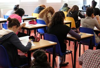 Alumnos  en la clase de un instituto