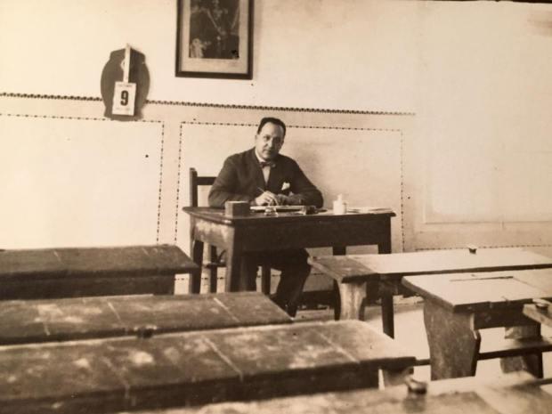 1929. Bruno Gracia Sieso. Escuela El Frago.jpg