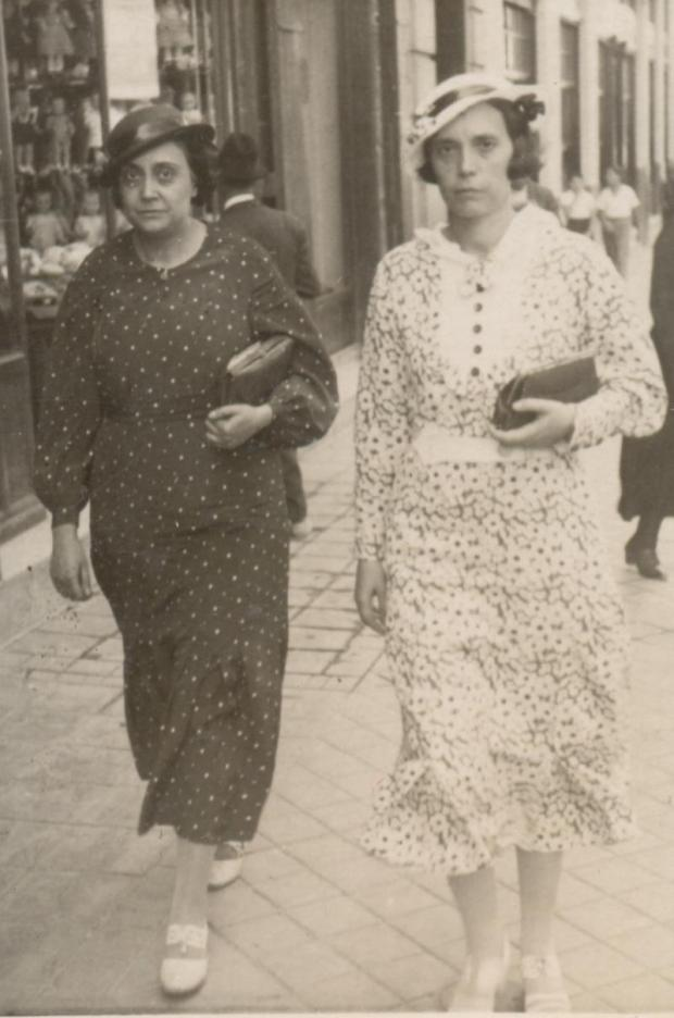1940. Carmen y Rosa Arilla