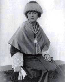 Angela G. de la Puerta. 4
