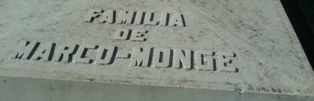Marco Monge. Lápida. Recortada