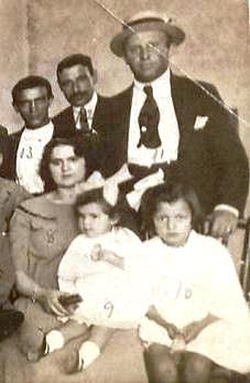 1923, Constantino y Perfecto. Recortada