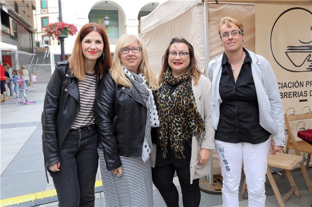 Con otras autoras de la antología