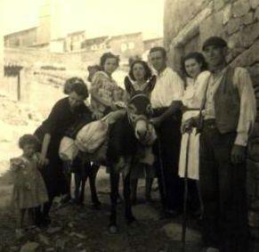 01.Con el burro de tio Esteban