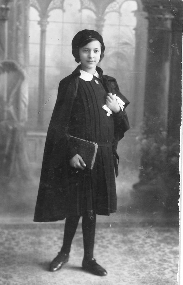 1929. Asun Cole. 2