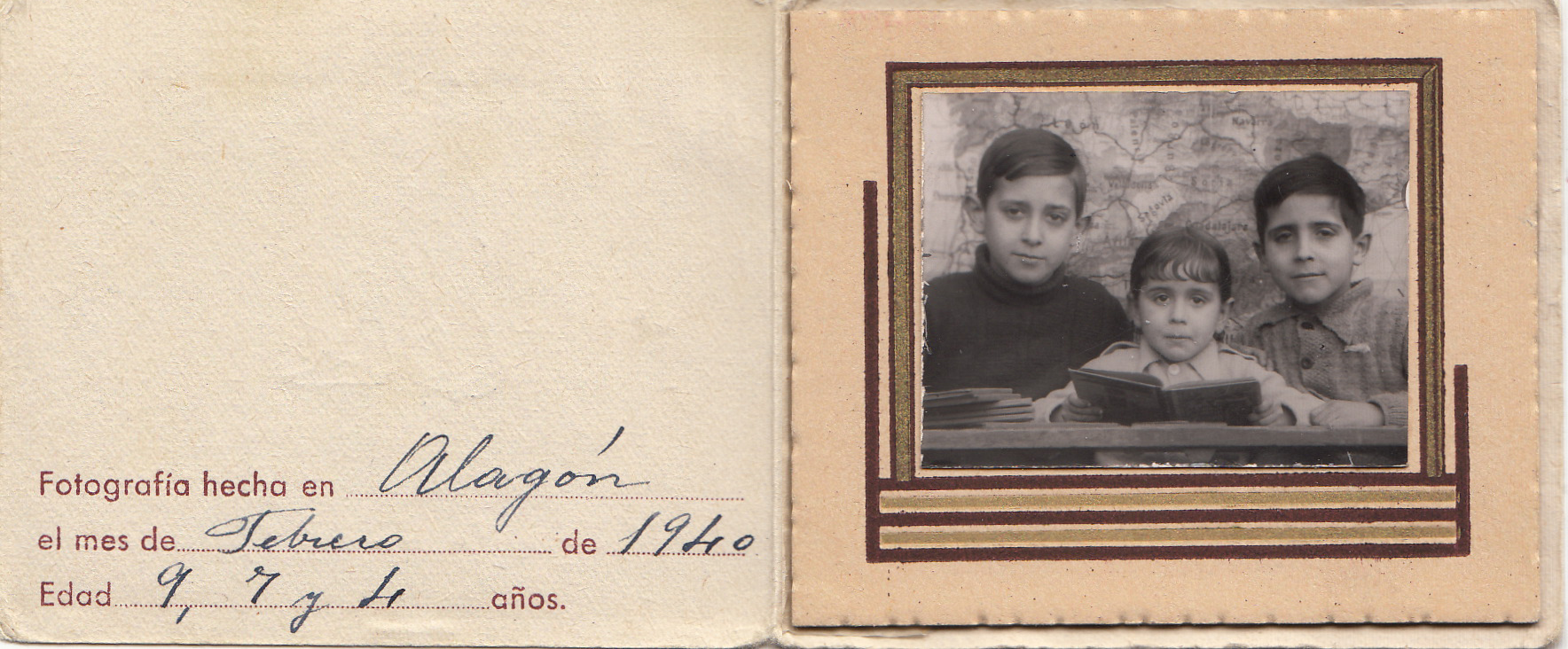 1940 Juan Lanzarote_0003 Tres hijos Escuela 1940