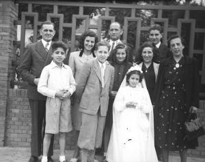 33, 1941 Comunion de Carmita